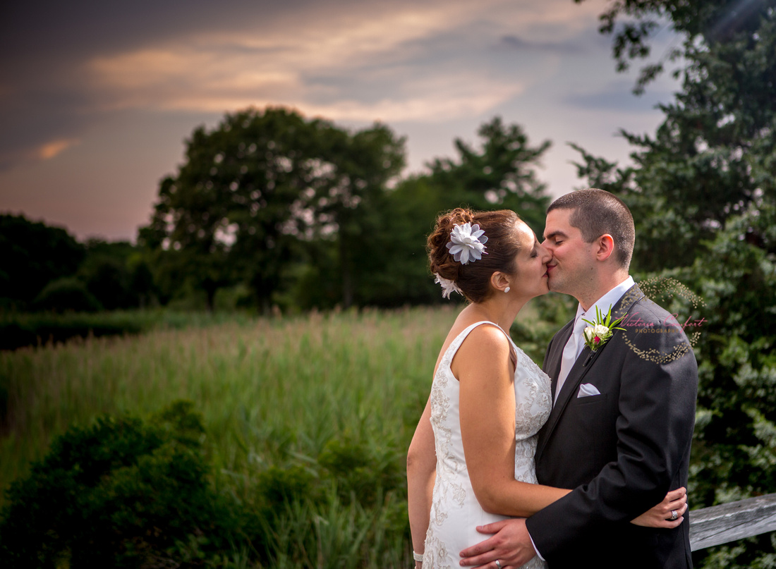 Qudinessett Country Club Wedding Day