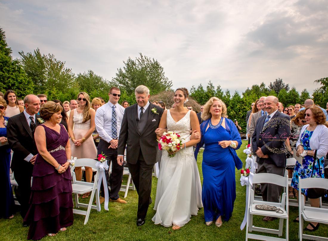 Qudinessett Country Club Wedding Day